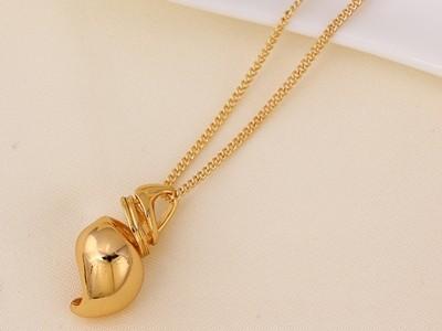 Bugo-csiga-mintaju-aranyozott-medal-lancal