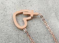 Igenyes-szivecskes-keresztes-rozsa-arany-nyaklanc